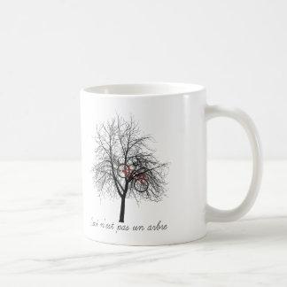 Ceci n'est pas un arbre coffee mug