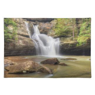 Cedar Falls, colinas Ohio de Hocking Mantel