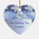 Celebración azul cristalina del copo de nieve ornatos