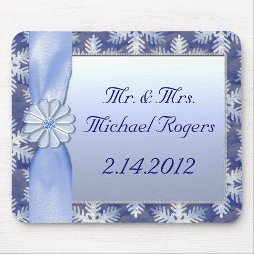 Celebración azul cristalina del copo de nieve mousepad