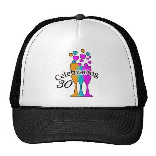 Celebración de 30 gorras