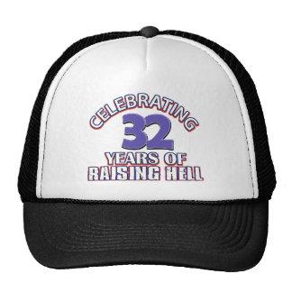 Celebración de 32 años de infierno de aumento gorra