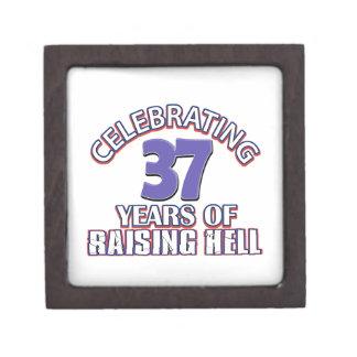 Celebración de 37 años de infierno de aumento caja de joyas de calidad