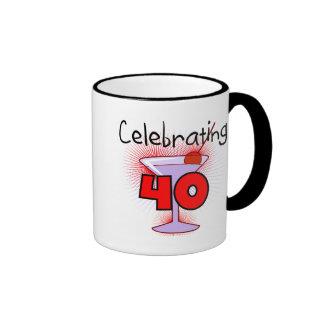 Celebración de 40 camisetas y regalos taza