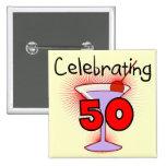 Celebración de 50 camisetas y regalos pin cuadrado
