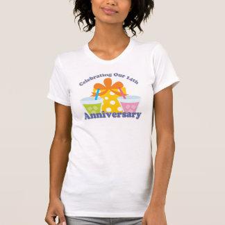 Celebración de nuestro 14to regalo del aniversario camisetas