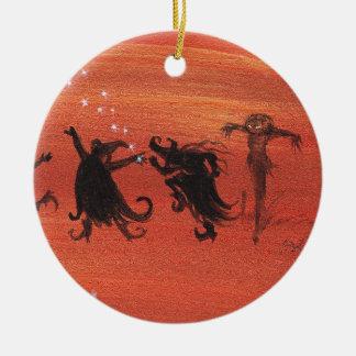 Celebración de Witchy Halloween Adorno Navideño Redondo De Cerámica