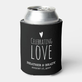 Celebración del amor el   que se casa enfriador de latas