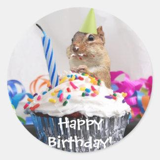 celebración del cumpleaños del chipmunk pegatina redonda