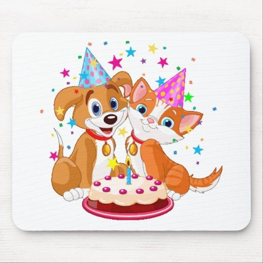 Celebración del cumpleaños del perro y del gato alfombrillas de ratón