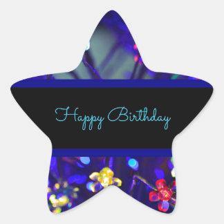 Celebración festiva del feliz cumpleaños pegatina en forma de estrella