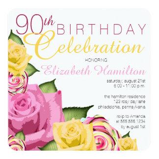 """Celebración floral amarilla del cumpleaños del invitación 5.25"""" x 5.25"""""""