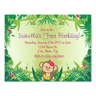 """Celebración linda del mono de la selva invitación 4.25"""" x 5.5"""""""