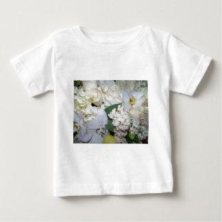 Celebración, rosas blancos y Orchies_ Playera De Bebé