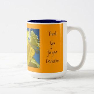 Celebrando nuestro esmero de los regalos de las taza de dos tonos