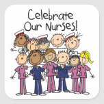 Celebre a nuestras enfermeras calcomanía cuadradase