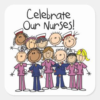 Celebre a nuestras enfermeras pegatina cuadrada