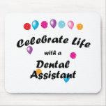 Celebre al ayudante de dentista alfombrillas de ratones