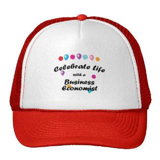 Celebre al economista de negocio gorras