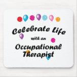 Celebre al terapeuta profesional tapetes de ratones