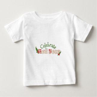 Celebre el Año Nuevo T-shirt