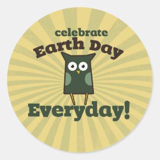 Celebre el búho diario del Día de la Tierra Etiquetas