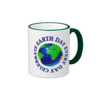 Celebre el Día de la Tierra cada taza del día