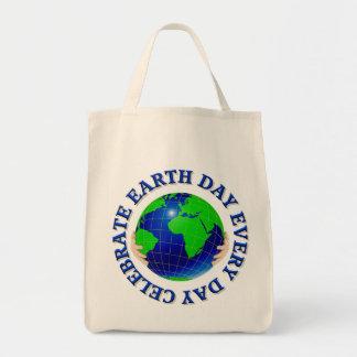 Celebre el Día de la Tierra la cada bolsa de asas