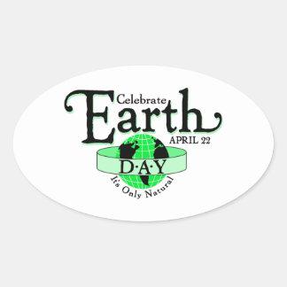 Celebre el Día de la Tierra Pegatina Ovalada