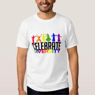 Celebre la camisa de la diversidad - elija el