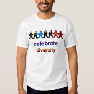 Celebre la diversidad camisas