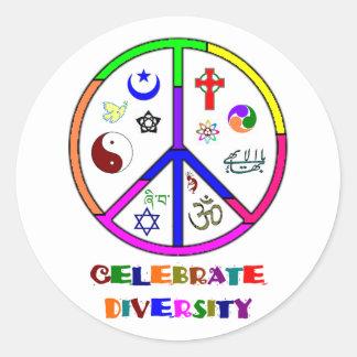 Celebre la diversidad pegatina redonda