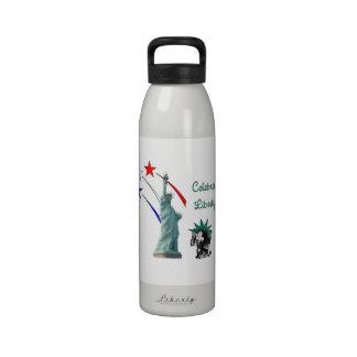 Celebre la libertad botellas de beber