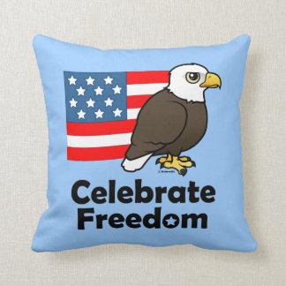 Celebre la libertad almohada