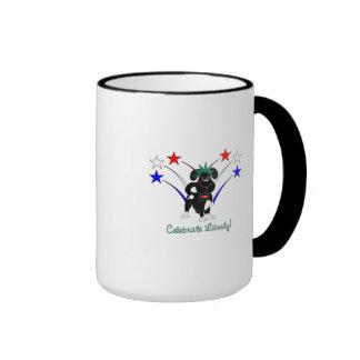 Celebre la libertad - fuegos artificiales taza