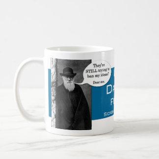 Celebre la taza de café del día de Darwin