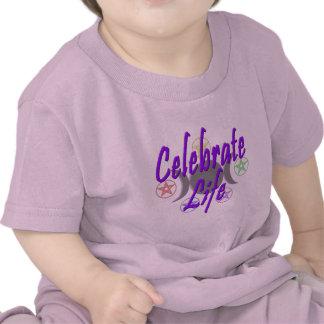 Celebre la vida camisetas