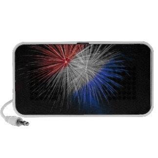 Celebre los fuegos artificiales patrióticos blanco iPod altavoz