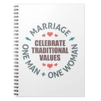 Celebre los valores tradicionales notebook