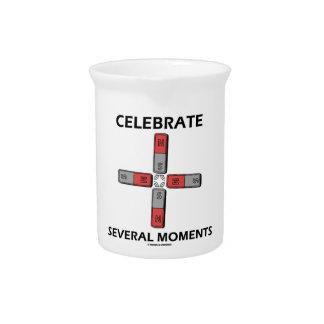 Celebre varios momentos el momento de tetrapolo jarron