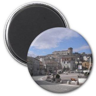 Celenza-plaza-mala voluntad imán redondo 5 cm