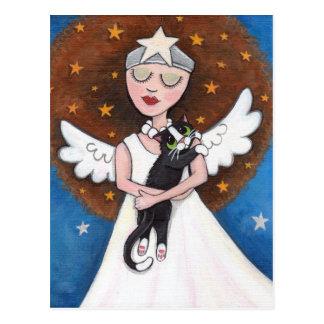 Celeste y su postal del gato