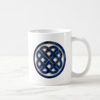 celtic anudas taza básica blanca