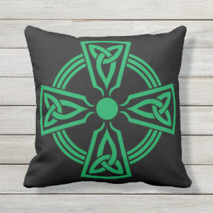 Green Celtic Knot Outdoor Pillows