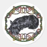 Celtic de reclinación Knotwork del escocés Etiqueta Redonda