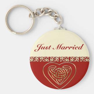 Celtic Heart Wedding Set Basic Round Button Keychain
