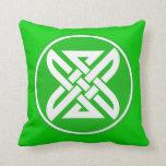 Celtic Knot 1 Green Throw Pillow