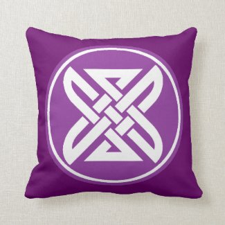 Celtic Knot 1 Purple Throw Pillow