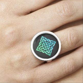 Celtic Knot Ring - Blue Green Design
