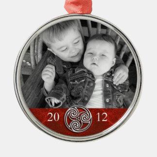 Celtic Knot Triskelion Red Christmas Photo Ornam Round Metal Christmas Ornament